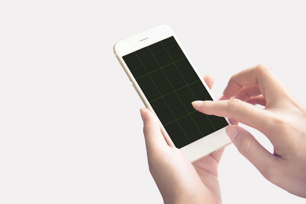 black grid on iPhone. - freezing iPhone camera