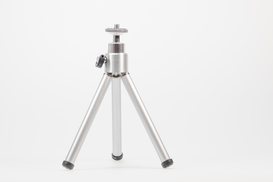 Silver tripod as a stabilizing device