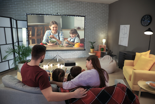 best-portable-movie-projector-for-iphone